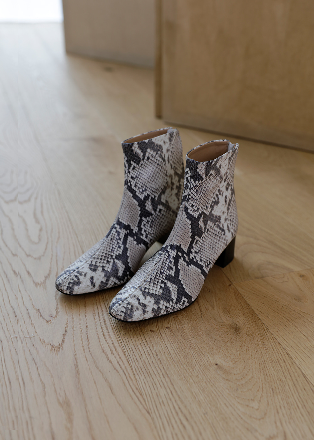 19FW Lead ankle boots